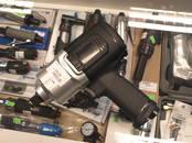 Инструмент и техника Шуруповёрты, гайковёрты, цена 155 €, Фото