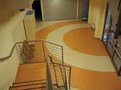 Строительные работы,  Отделочные, внутренние работы Укладка линолеума и ковролина, цена 2.50 €, Фото