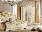 Mēbeles, interjers Guļamistabu komplekti, cena 1 692 €, Foto