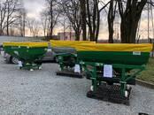 Сельхозтехника,  Техника для внесения удобрений Для гранулированных удобрений, цена 1 486 €, Фото